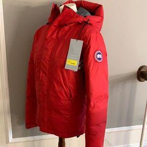 EUC Men's XS Canada Goose red down coat with bag